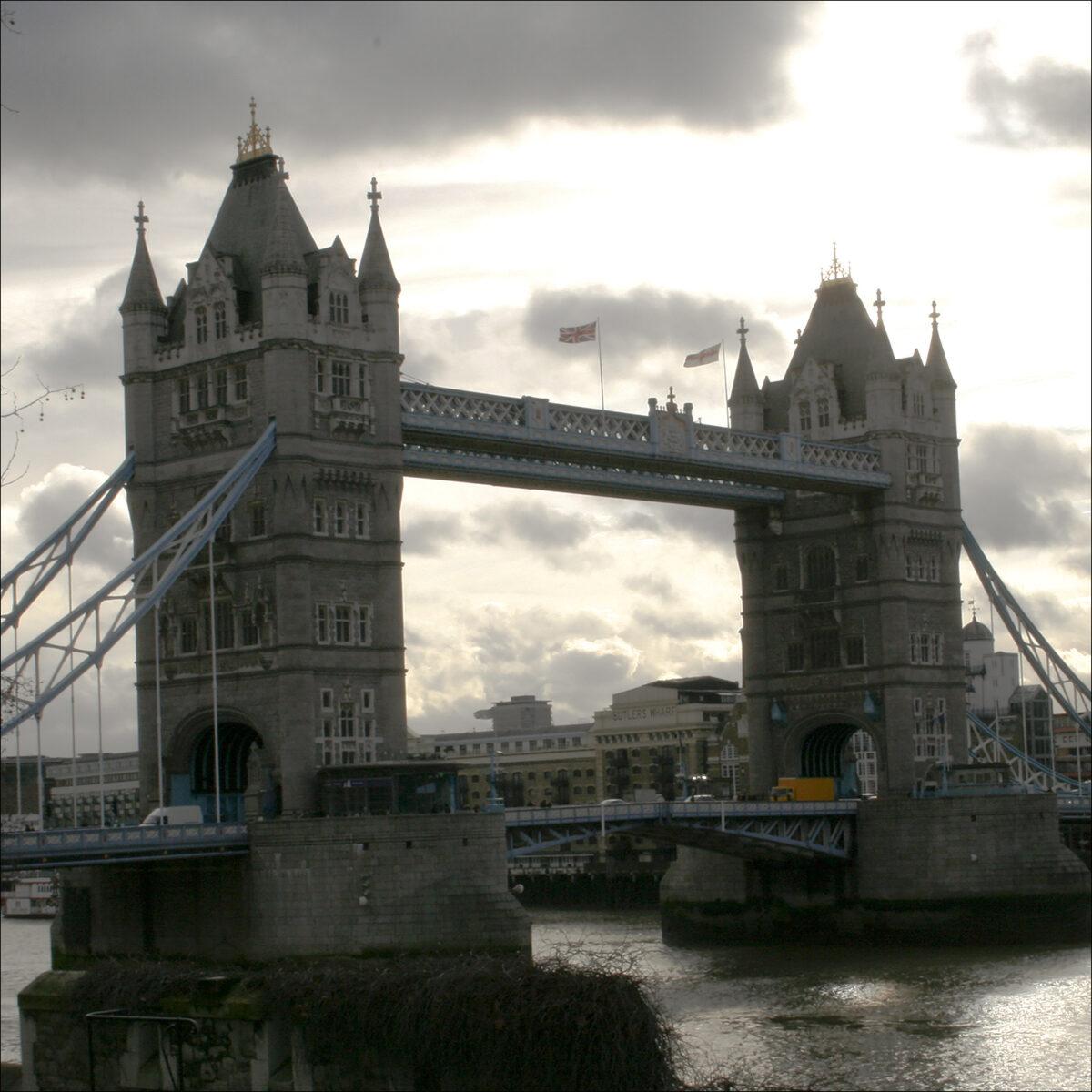 London Bridge i motljus